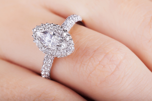 7 Creative Ways to Customize your Engagement Ring